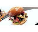 Fall burger + hranolek + salát Coleslaw    Slevomat