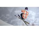 Skok do air bagu na lyžích nebo snowboardu | Slevomat