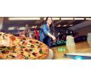 Pravá italská pizza a hodina skvělého bowlingu   Slevomat