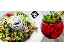 Caesar nebo tuňákový salát a domácí ledový čaj | Slevomat
