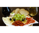 Litr sudového vína a talíř sýrů a uzenin pro dva | Slevomat