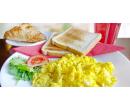Vydatná snídaně s nápojem | Slevomat