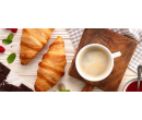 Křupavý croissant nebo horké maliny a voňavá káva   Slevomat