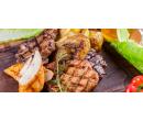 3 druhy steaků a 3× přílohy s omáčkami | Slevomat