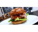 Parádní Delicate burger menu  | Slevomat