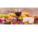 Lahev zemského vína a talíř plný dobrot pro dva | Slevomat