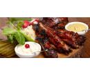 500 g grilovaných žeber s pečivem | Slevomat