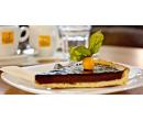 1× káva dle výběru a 1× čokoládový dortík | Slevomat