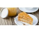 Nápoj dle výběru a medovník | Slevomat