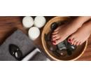 Klasická mokrá pedikúra včetně lakování gel lakem | Slevomat