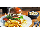 Burger s hranolky, polévka, salát i dezert pro dva   Slevomat