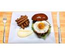 Dva burgery s trhaným vepřovým masem   Slevomat