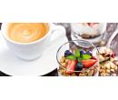 Jogurtový dezert s ovocem a müsli a k tomu káva | Slevomat