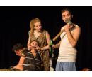 Hercem v divadle na zkoušku | Adrop