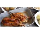 Kachní vývar a konfitovaná kachna s knedlíky, zelí | Slevomat
