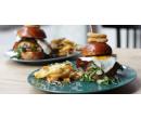 1× burger z jídelního lístku (120 g) a hranolky   Slevomat