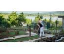 1 hodina adventure golfu pro 1 dospělého a 1 dítě   Slevomat