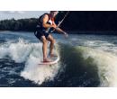 Wakesurfing za člunem | Adrop