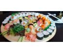 Set s 28 kousky sushi | Slevomat