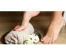 Mokrá pedikúra včetně masáže chodidel | Slevomat