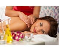60ti minutová relaxační masáž zad a šíje  | Fajn Slevy