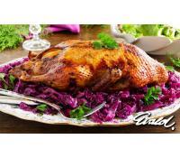 Pečená kachna 2,5 kg s knedlíkem a zelím   Pepa