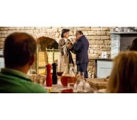 Divadlo s večeří a neomezeným pitím piva | Slevomat